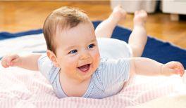 Baby 9 Monate