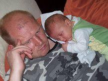 Bei Papa schläft es sich am besten