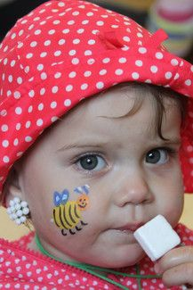 Geschminkt auf dem Kindergartenfest