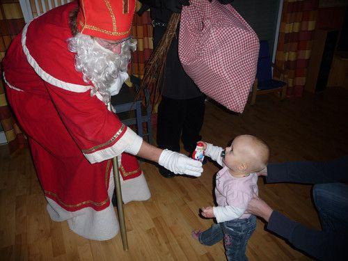 """Alina`s erste """"Bekanntschaft"""" mit dem Nikolaus!"""