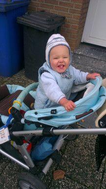 Luca beim spazierengehen