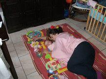 Beim Spielen eingeschlafen