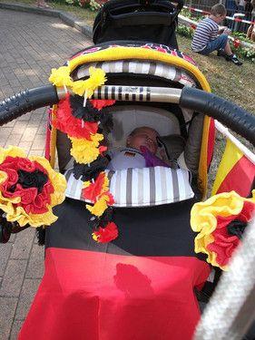 Pina und ihr gepimmter Kinderwagen