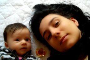 Mama und Baby ganz entspannt