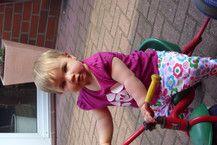 Paulas erste Dreiradfahrt