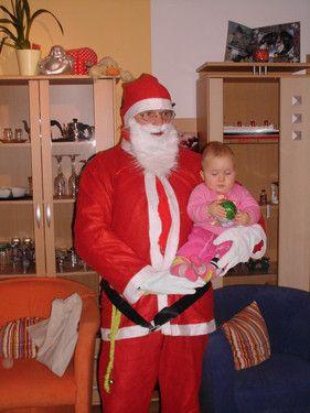Emily mit dem Nikolaus