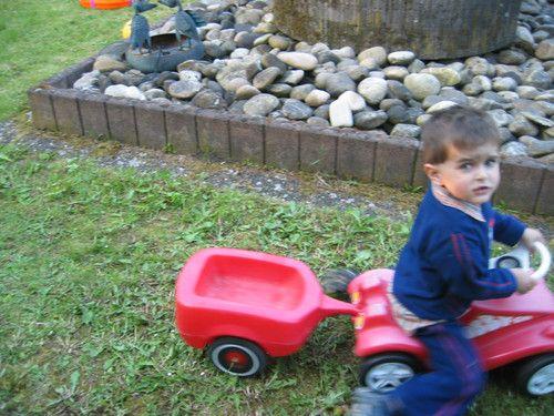 Max und sein Bobby-Car