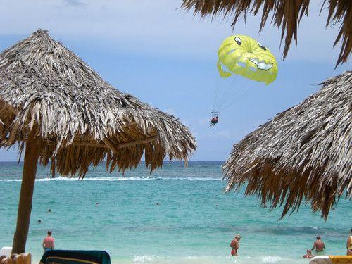 Gleitschirmflug in der Karibik - ich habe so gehofft, dass uns der Schirm gut trägt