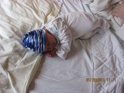 Dominic, der erste Tag nach seiner Geburt
