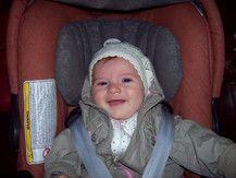 Amelie liebt ihren Maxi Cosi & das damit verbundene Autofahren ;) 4 Mon