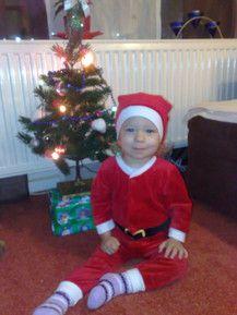 Celina im Weihnachtsmannkostüm!!!