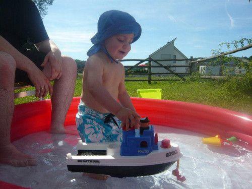 Samuel lädt ein zur Pool Party :-)