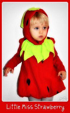 kleines Erdbeermädchen Mia....