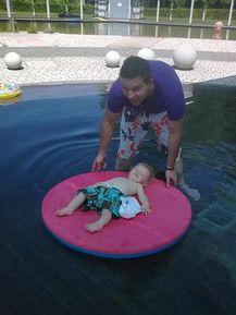 Mit Papi beim Badi :)