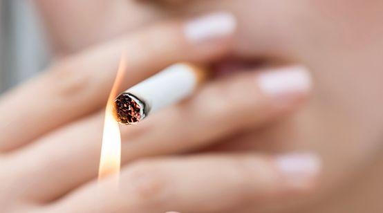 Der Strafen wie Rauchen aufzugeben, zu kaufen